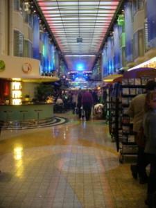 db_20080216_Shopping_Center_in_der_Fahre